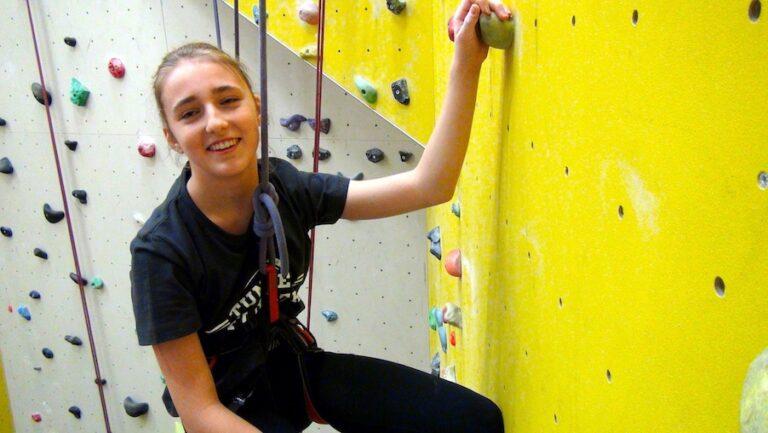 Cynthia-4-Klettern